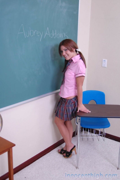 Darling schoolgirl Aubrey Adams pulls panties aside for classroom pussy flash